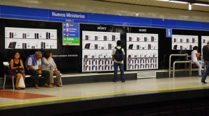 Tienda-virtual-Sony-en-metro-Madrid-2