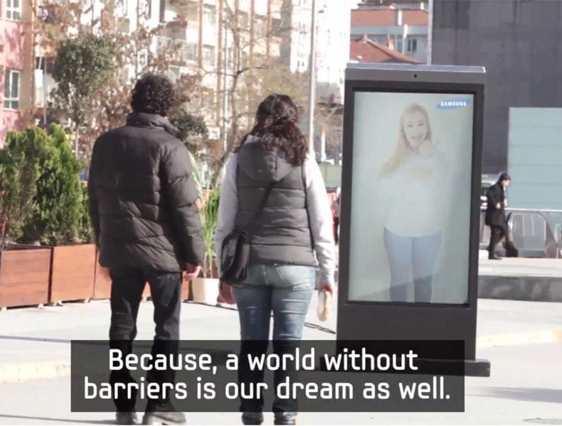 Samsung rompe barreras en esta campaña con cámara oculta