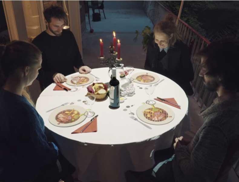 Mappings en la mesa para amenizar la espera en restaurantes
