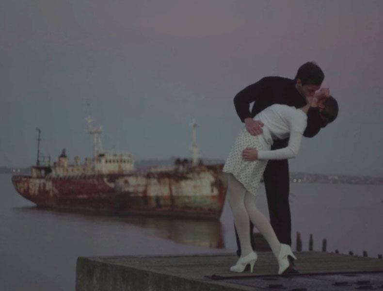 Leica rinde tributo a la fotografía recreando imágenes icónicas